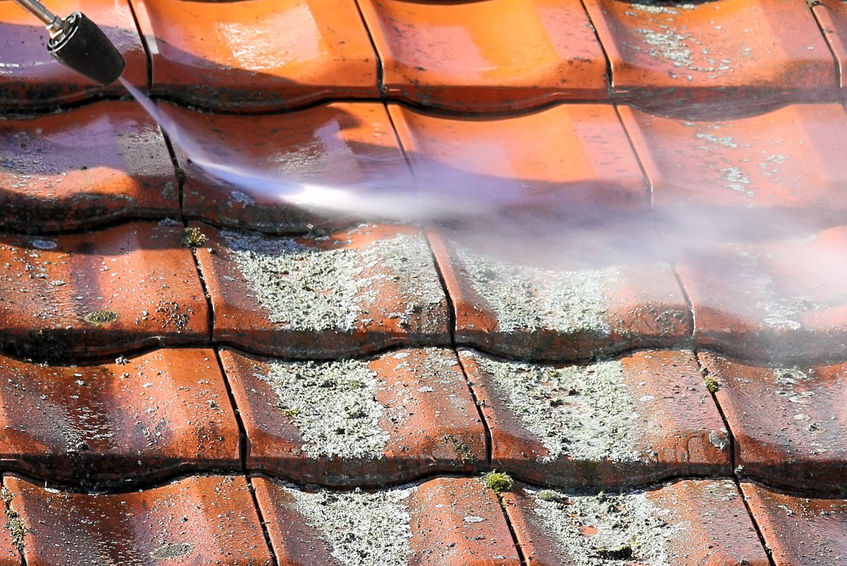 ontmossen van daken tips